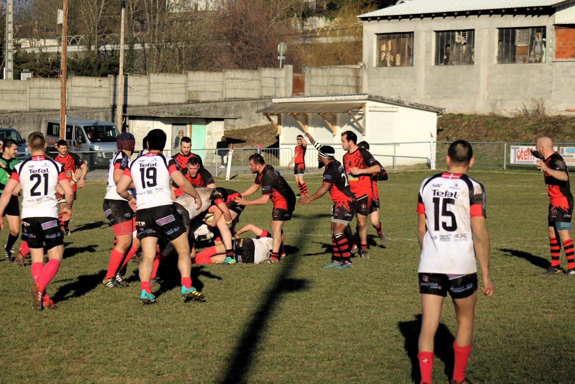 Le Sporting Club Royannais tombe le leader